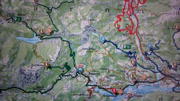 La schermata di CarniaMapp con la via del latte per arrivare agli alpeggi di Carnia.